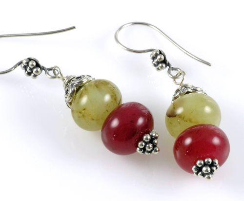 p-685-grapes2-ear4-wtm.jpg